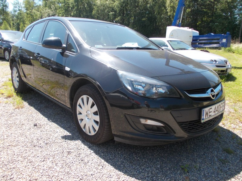 "<p>Opel Astra IV 1.7 Diesel <span style=""font-size: large;""><strong>cena 130 zł/doba</strong></span></p>"